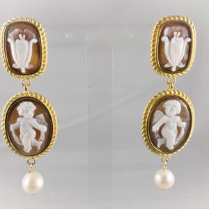 Orecchini in argento dorato con camei di  Puttini e Fiori